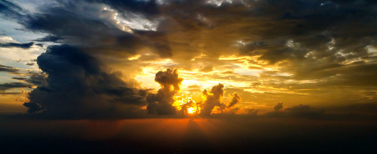 Sunset Dramatic Sky Aviation Color Cloud Sky Storm Weather Southern Storm Afternoon Rainshower Sunset_collection Sunset Through The Clouds From My Point Of View A Pilot's Perspective