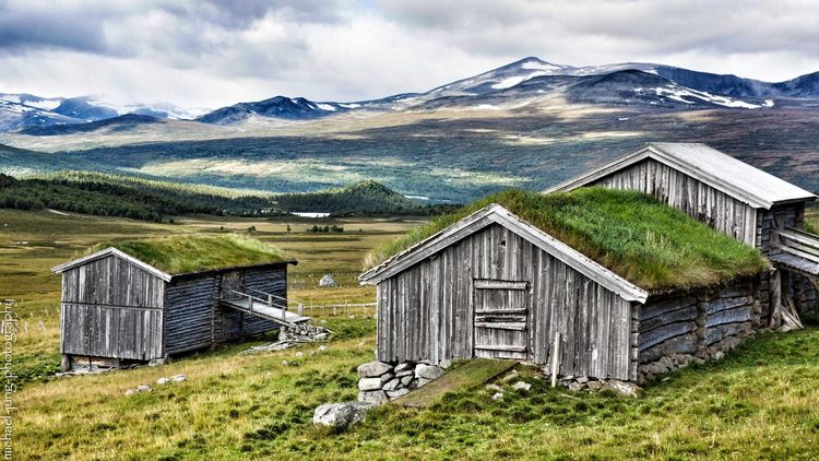 Jotunheim Nationalpark, Norway. Mountain Landscape Mountain Range Snowcapped Mountain Building Exterior Norway🇳🇴 Norway Nature Grass Snow Architecture Scandinavian Norway Is Peaceful Outdoor Photography Outdoors Scenics House Tranquility Tranquil Scene Travel Destinations Day No People Sky Beauty In Nature