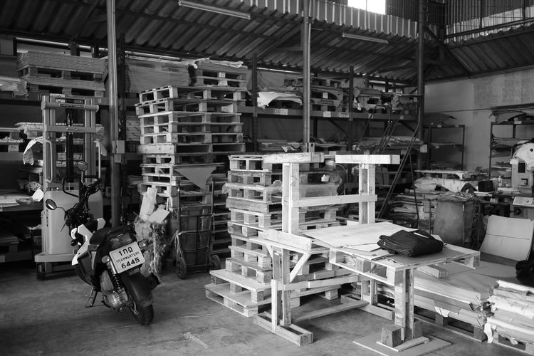 Day Factory Indoors  Industry Loom Manual Worker Manufacturing Equipment Motorcycle Occupation One Person Pallete People Working