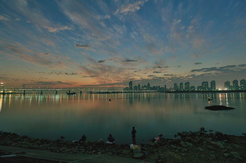 河边 Water Sky