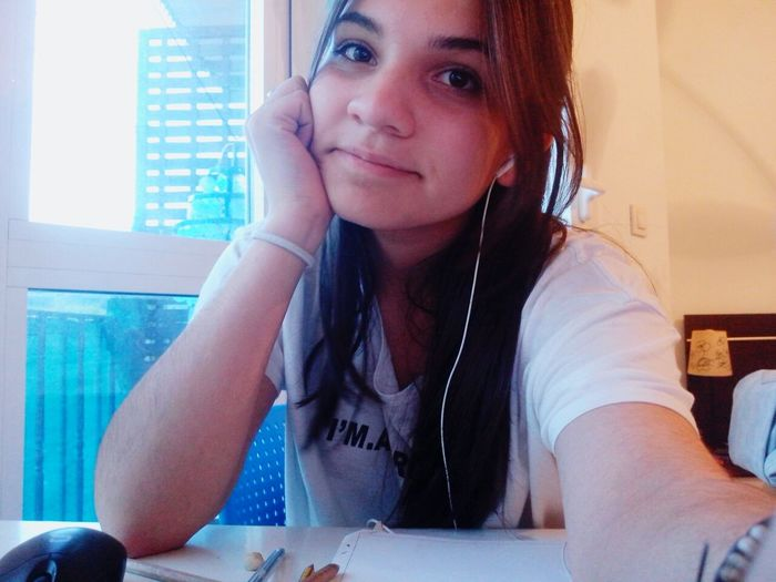 Hi Everyone ♡ That's Me Study Time Bored ✌ Tomorrow Will Be Better Have A Nice Day♥