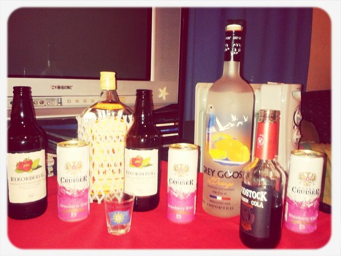A night to mix n taste .. find out what happens on the drinks .. Yum.. Having Drinks