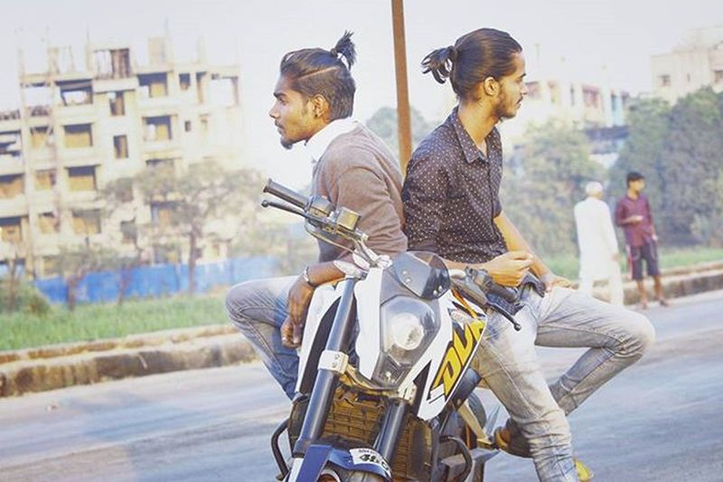 Two brothers wid different attitudes n personalities! Brothers frm different mother's n ofcourse different father's ..😚 Love Cute Style @top.tags Toptags Tweegram Photooftheday 20likes Amazing Smile Follow4follow Like4like Look Happy Instalike Igers Picoftheday Instadaily Instafollow Followme Instagood Bestoftheday Instacool Instago All_shots follow webstagram topknot manbun ktm