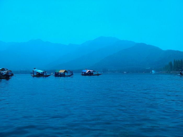 PhonePhotography EyeEm Nature Lover Every Picture Tells A Story Peaceful Serenity India Srinagar Kashmir Shikara Dallake Love ♥