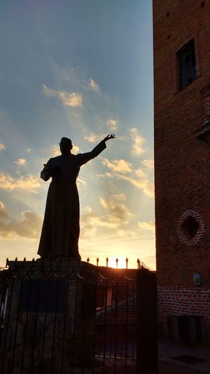 Travel Destinations Cloud - Sky Sunset Sky Statue Tapalpa Jalisco Mexico The Statue Of Liberty No People Nofilter Non-urban Scene