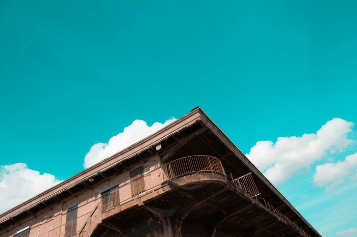 🔼 Architecture Low Angle View Sky Travel Destinations Building Exterior Built Structure Cloud - Sky City No People Outdoors Day Backgrounds Miles Away Style And Fashion Architecture Silhouette Indoors  Lifestyle Portrait Human Hand Only Men Real People Colour Of Life Mobile Conversations Looking At Camera The Secret Spaces EyeEm Diversity The Architect - 2017 EyeEm Awards BYOPaper!