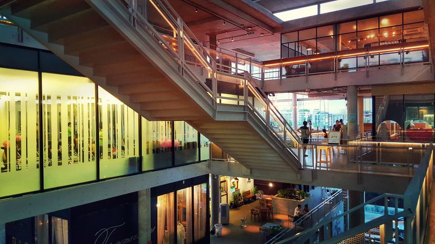 Community Mall Bangkok Thonglor Lights Stairs