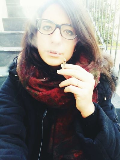 Hi! That's Me EyeEm Tumblr Love 2016 January Janvier Winter Salento Cute EyeEm Gallery Smoke Cigarette  Selfie ✌ Color Portrait Colorful Glasses Glassesgirl