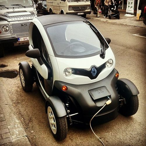 The future of town cars. Electric, small. Now let's hope they'll make them sonewhat better looking!