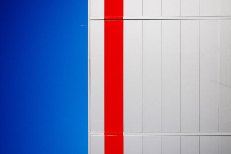 american minimalism The Graphic City Architecture Blue Building Exterior Built Structure Clear Sky Close-up Day From My Point Of View Minimalism Minimalobsession No People Outdoors Pattern Red