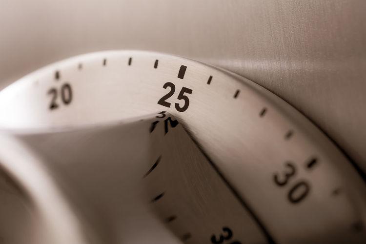 2⃣5⃣ Countdown Fridge Reflection Alarm Aluminium Analog Chrome Clock Close-up Counting Important Kitchen Timer Kitchen Utensil Macro Metal Minutes Monochrome No People Number Refridgerator Steel Time Timer Twenty-five