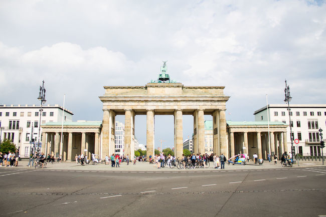 Architecture Berlin Berliner Ansichten Border Crossing Brandenburg Gate Brandenburger Tor Building Exterior Built Structure Capital City Cloud - Sky Day Deutschland Germany Grenzübergang Hauptstadt History Large Group Of People Outdoors Tourism Travel Destinations