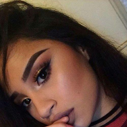 Mattelipstick Model Beauty Selfie✌ Selfie Selfie ✌ Gorgeous Aesthetics Fashion Makeup Eyeliner♥ Winged Eyeliner Longeyelashes Eyebrowsonfleek Eyebrows On Fleek Longhair Long Hair Matte Lipstick