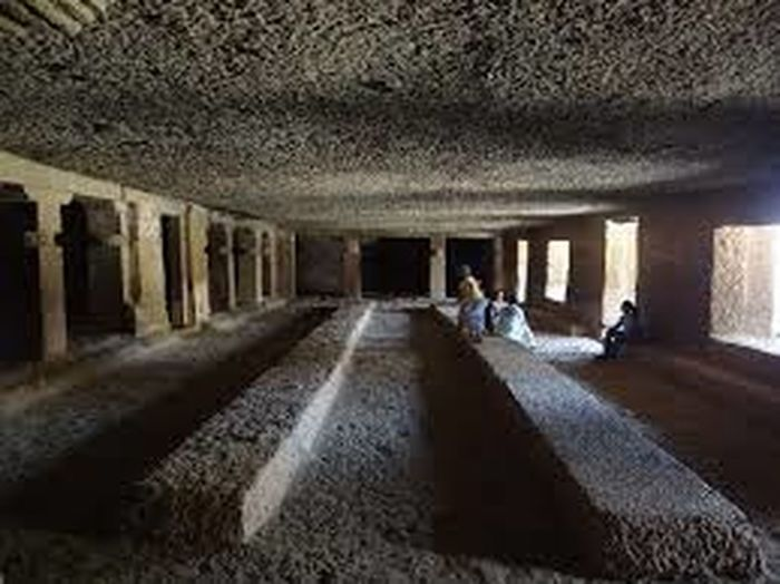 this is the part of indoor structure of Kanheri caves built in 1st century. Architecture