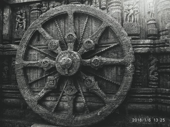 The Wheel Of Time in B&W Blackandwhite Wheel Chariot Art Konark VSCO Odisha Full Frame Close-up EyeEmNewHere Wall Clock Clock Instrument Of Time Time Textured  Detail Holiday Moments