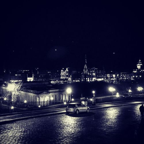 Edinburgh Exploring The City Streets Night Photography Cityscape Black & White Cobbled Streets Street Lights Lonely Car
