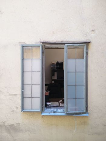 Foreign work lifes Looking Into A Window Building Exterior Minimal No People Office View Simplicity Window Window View Working Place
