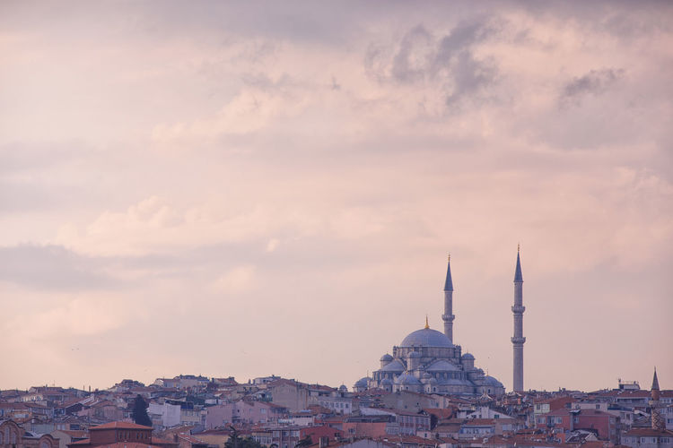 Mosque Mosque Architecture Istanbul Minaret Muslim Architecture Built Structure Building Exterior Building Travel Destinations Sky Tourism City Travel Place Of Worship Cloud - Sky No People Religion Nature Belief Sunset Cityscape Tower Outdoors Spire
