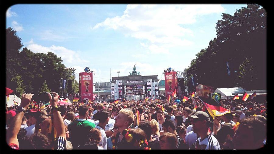 Berlin Berliner Fanmeile \o/ Weltmeister 2014 Fußball WM 2014