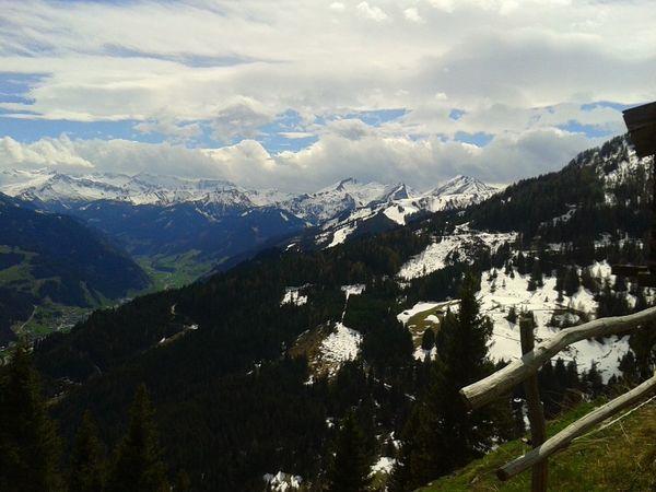 Mountain View Mountains Berg Alm Alps Wolken Wanderlust Wanderer Wandern Weitblick Schnee Frühling Frühlingserwachen Frühling 2016 🌾