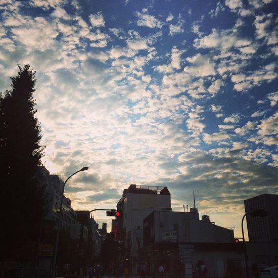 Beautiful sky and crowded town around univ.