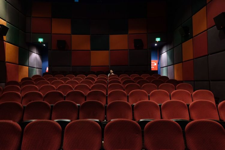 Cinema Perspective Seat Red In A Row Indoors  Arts Culture And Entertainment Movie Theater A New Perspective On Life Illuminated No People Chair Empty Absence Film Industry EyeEmNewHere
