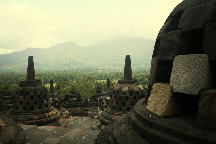 7 Wonders INDONESIA Temple Borobudur