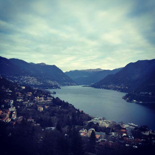 Le prime luci del mattino 😍 il lago di Como è stupendo 😍 First Eyeem Photo #photographer Morning Lake Amazing Best Photooftheday Love Quiete Pubblic Italy Sun Sky