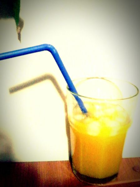 Perfekt Day Drinking Fresh Orange Juice My Treat  EyeEm Gallery EyeEmBestPics