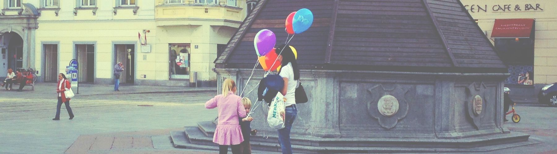 People Watching Streetphotography Baloons Justgoshoot