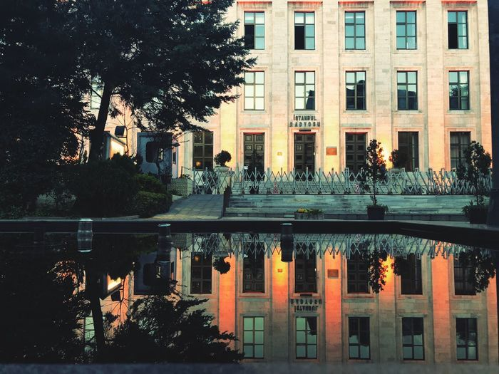 F r i d a y m o r n i n g Buongiorno Buenosdias Bonjour Gutenmorgen Goodmorning :) Morning Building City Waterfront No People Window Nature Day Reflecting Pool Canal Symmetry Residential District Swimming Pool