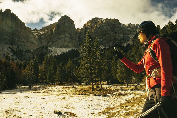 Adventures Alone Alpinism Bold Brave Discovering Forest Girl Girl Power GPS GPS_PHOTOS_OFFICIAL _EYEEM 📡📲 Green Hiking Hiking Trail Looking At The Phone Looking For The Correct Way Mountaineering Mountains Searching Trekking Walking Woman