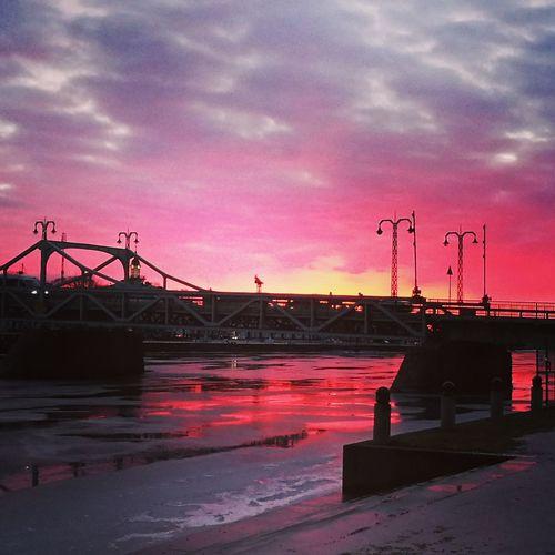 Sunset Silhouettes Bridge Iced River ❄