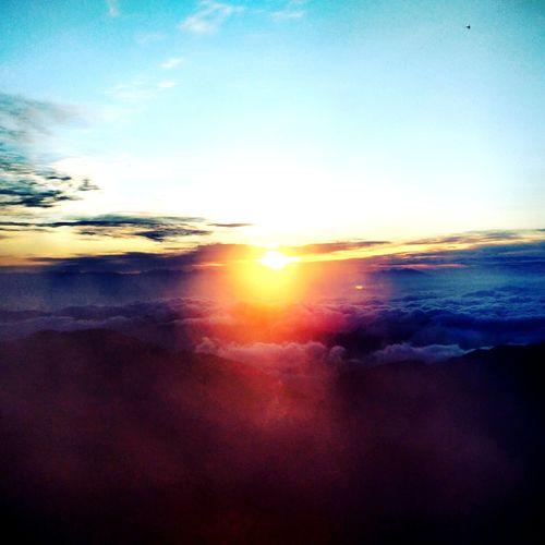 Sunrise on the top of Mt Hakusan Hakusan Kanazawa Hakusan-shi Hakusan Mountain Mountain Range Sunrise Horizon Over Sky Sun Sea Sky Beauty In Nature Scenics Nature Bright Dramatic Sky Sunlight Cloud - Sky Outdoors Backgrounds EyeEmNewHere