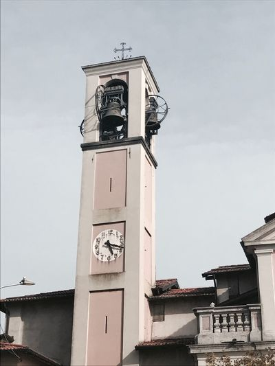 Architecture Building Exterior Built Structure Clock Low Angle View Religion Clock Tower Outdoors Bell Tower Sky Day Spirituality Sculpture Place Of Worship Time Roman Numeral Clock Face