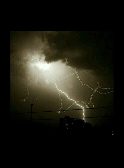 Was lucky enough to capture it at the right moment! Photography Udaipur Noediting Night Rains Thunder Lightening Best Pic