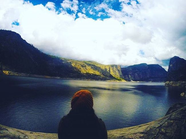 Throwback to Yosemite couple of weeks ago 🌲🍃 // the less you respond to negative people, the more peaceful your life will become 🌸 HTers Hashtags Autumn Autumnweather Colorful Fall Falltimes Fallweather Foliage Instaautumn Instafall Instagood Instashot Leaf Leaves Nature Orange Photooftheday Picoftheday Red Season  Seasons Tree Trees weather