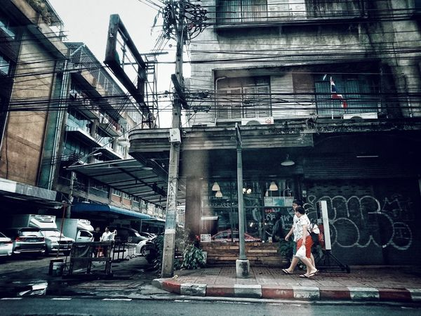 a wired city - Bangkok 2017EyeEm Thailand Building Exterior City Urban Landscape Lensculturestreets Dailyphoto AMPt Xperia Z5 Sony Xperia Mobilephotography Cityscape Street Life Lensculture AMPt Community Urban Lifestyle Dailylife Street Photography Snapshots Of Life Urbanphotography Streetphotography Urban Exploration Downtown City Life City Street The Great Outdoors - 2017 EyeEm Awards