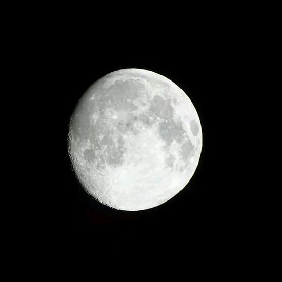 Beutiful moon ^_^ Night Sky Night Photography Lovethat Goodfeelings
