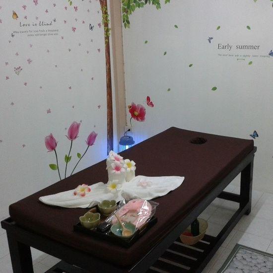 SabaiSabaiNuadThai SabaiSabai NuadThai Sparoom aromaterapy oilmassage design spabed bbkk igersThailand