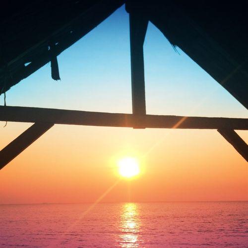 That crazy little sun of a beach Holidays Sunset Beach