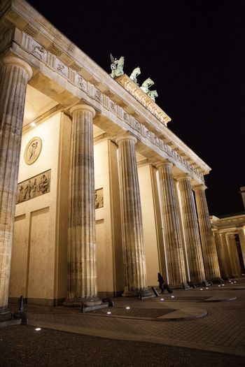 Berlin Nightphotography Tor Branderburgertor Discover Berlin Museum Religion Religious Architecture