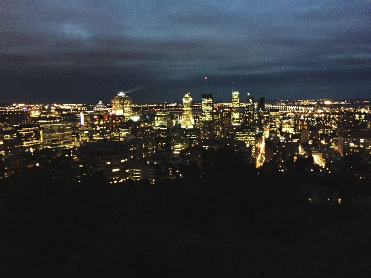 Another picture of the beautiful view on top of the Mont-Royal. * ça Porte bien son nom * Architecture City High Angle View Night Cloudy