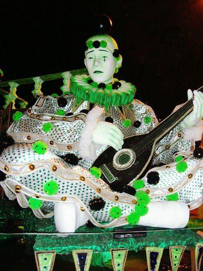 Carnaval Carnaval Marquês De Sapucaí Sambodromo Mocidade Independente De Padre Miguel Carnival Verde E Branco Bandolim Pierrot Black Background No People Indoors  Close-up Day The Art Of Street Photography