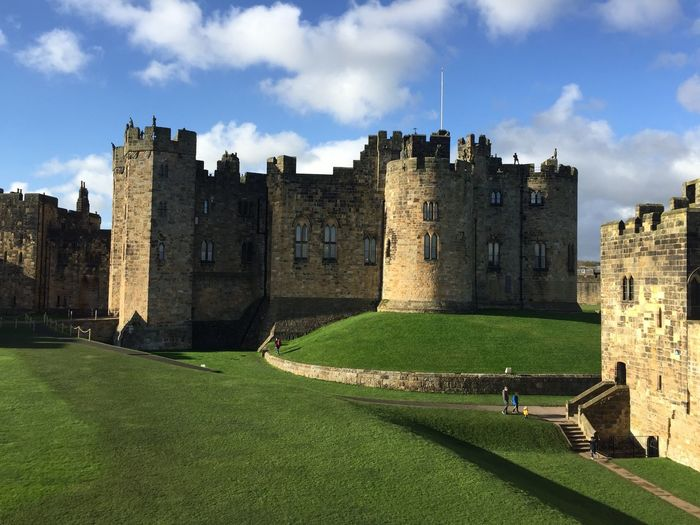 Alnwick Castle Castle first eyeem photo Cloud - Sky Scenics No People Outdoors Landscape Built Structure Green Color