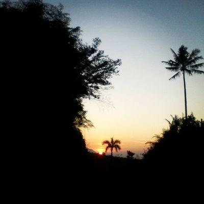 Art everywhere AmateurPhotograph Art Sky Photograph MorningSunshine Sunrise Summer Nature LandScape landscape_captures ¹.³ mp trying to be a Photographer Passion Pray Dream Come_true