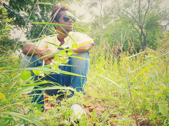 One Person Grass Outdoors Tree People Freshness Green Green Green!  EyeEm Best Shots I Show The World What I See Sunglasses Photography Themes Beauty In Nature Chance Encounters Casualwear Mensfashion Jeans♡ Shoes ♥ Embrace Urban Life Shirts Of EyeEm Urban Photography Leisure Activity Casual Clothing Modelphotography Fashion Photography Modeling