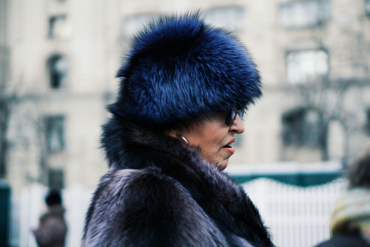 Who likes Fur ? Close-up Portrait Adult People Real People Streetphotography Adults Only One Person Uniqueness Women Around The World BYOPaper! This Is Aging