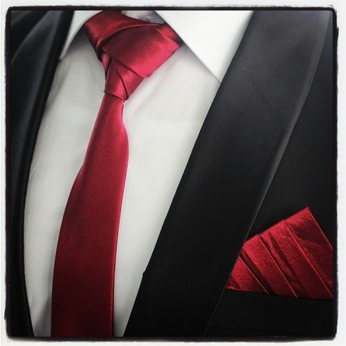 Graduation Eldredge Staircase Pocketsquare Me Najatee Kamal Red Black White Tie