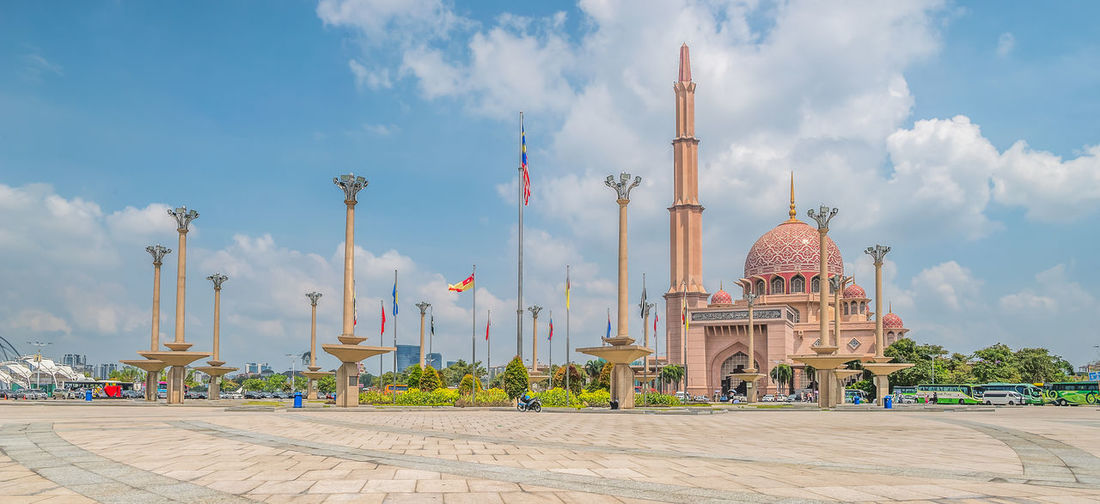 Putrajaya Malaysia Architecture Cloudy Holiday Putrajaya, Malaysia Square Tourist Attraction  Architecture Belief Blue Sky Building Building Exterior Built Structure Cloud - Sky Dome History Mosque Nature Noon Outdoors Place Of Worship Religion Sky Spire  Tourism Travel Destinations